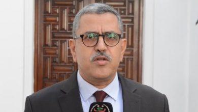 Photo of الوزير الأول يذكر الولاة: «الحبس وغرامات مالية لكل مخالف لتدابير الحجر»