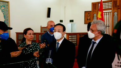 Photo of الصين تتبرع للجزائر بكاشف كورونا وملابس الوقاية الطبية والكمامات