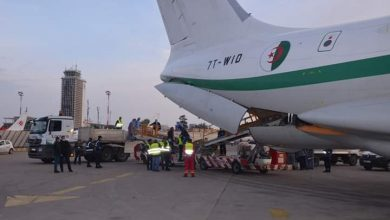 Photo of الشحنة الثالثة من المعدات الطبية ….تصل إلى أرض الوطن