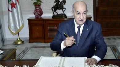 Photo of الرئيس تبون يهنئ الجزائريين بشهر رمضان ويصدر تعليمات بمراجعة تدابير الحجر الصحي