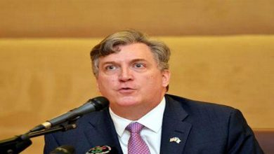 """Photo of السفير الأميركي بالجزائر : """"لا يوجد مكان آمن من هذا الفيروس المُروِع"""""""