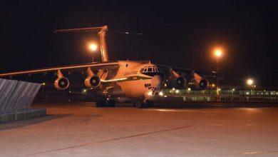 Photo of وصول طائرتين عسكريتين محملتين بمعدات ومستلزمات طبية إلى مطار الجزائر قادمتين من الصين