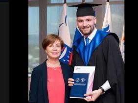 """Photo of تنس… الجزائري حمزة خلاصي يحوز على شهادة ماستر """"التسيير الرياضي"""" من جامعة اولمبيك سوتشي"""