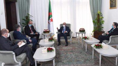 Photo of الرئيس تبون يستقبل السفير الأمريكي جون ديروشر