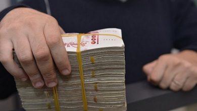 Photo of الوادي: الدرك يطيح بشبكة مختصة في تزوير وتقليد الأرواق النقدية من فئة 2000دج