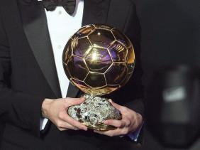 Photo of فرانس فوتبول تعلن عدم منح جائزة الكرة الذهبية لعام 2020