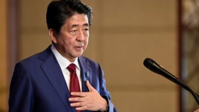 Photo of رئيس الوزراء الياباني يعلن استقالته من منصبه ويعتذر للشعب الياباني!