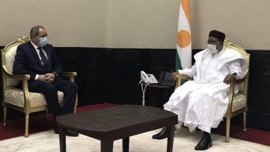 Photo of بوقادوم يلتقي رئيس النيجر قادما من باماكو  الجزائر توجه بوصلة دبلوماسيتها نحو الجيران في الجنوب