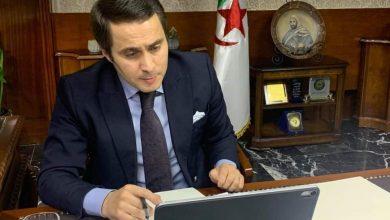 Photo of وزير الشباب والرياضة ينهي مهام 14 إطارا ساميا في الوزارة