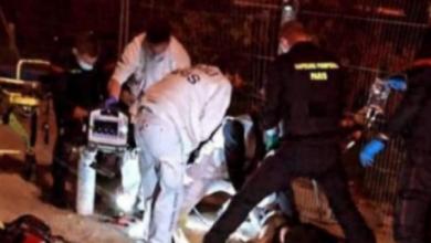 Photo of طعن سيدتين جزائريتين في باريس يومين بعد مقتل الأستاذ الفرنسي
