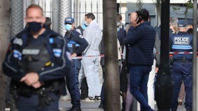 Photo of فرنسا : وفاة 3 اشخاص طعنا بالسكين بالقرب من كنيسة في نيس و الشرطة تعتقل المهاجم