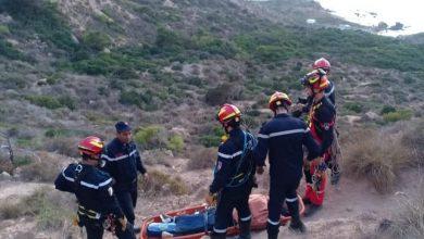 Photo of وهران: إنقاذ شخص سقط بين الصخور بالقرب من واجهة البحر