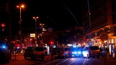 Photo of السلطات النمساوية تعلن عن هجوم إرهابي وسط فيينا وأنباء عن مقتل 7 أشخاص