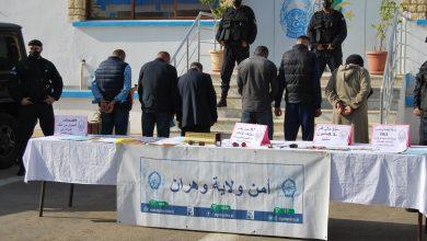 Photo of تفكيك شبكة إجرامية تضم 6 متورطين من ضمنهم إمرأة… سكنات إجتماعية مقابل 350 مليون بوهران