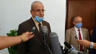 Photo of في إطار التدابير الجديدة للوقاية من كوفيد-19.. بن زيان يمنح ترخيصا بالعمل من المنازل