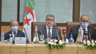 Photo of الوزير الأول يترأس اجتماعًا للحكومة بتقنية التحاضر الـمرئي عن بعد