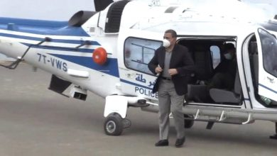 Photo of جراد يصل إلى تيبازة عبر مروحية للوقوف على مخلفات الحرائق