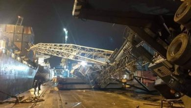 Photo of اصطدام سفينة تجارية برافعة في ميناء بجاية