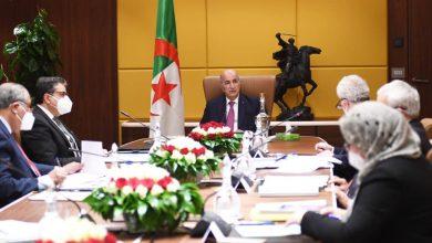 Photo of الرئيس تبون يستقبل أعضاء لجنة مراجعة قانون الانتخابات
