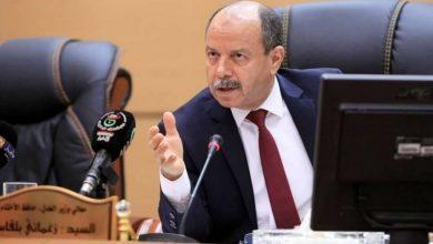 Photo of أصبح قضية أمام محكمة سيدي امحمد، وزير العدل: «السوار الإلكتروني حلم تبخر اليوم»