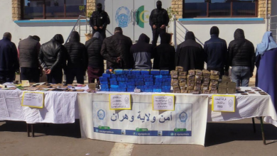 Photo of من بينهم امرأتين.. الإطاحة بشبكة دولية من 12 فردا لتهريب المخدرات في وهران