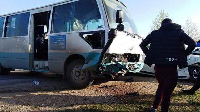 Photo of 15 إصابة إثر حادث اصطدام حافلة بسيارة في الشلف