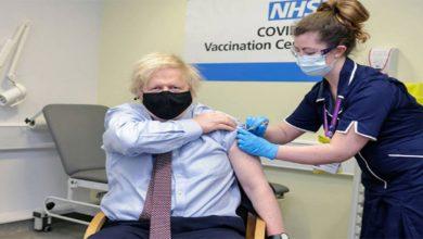 Photo of رئيس الوزراء البريطاني يتلقى لقاح كورونا