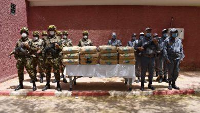 Photo of توقيف 40 بارون مخدرات وحجز 24 قنطار كيف في الحدود مع المغرب