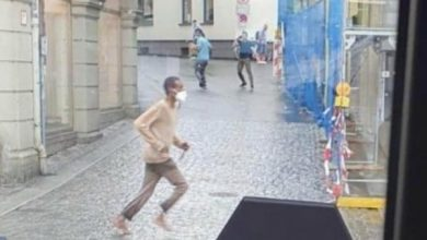 Photo of 3 قتلى و6 مصابين في حادث طعن بفورتسبورغ الألمانية