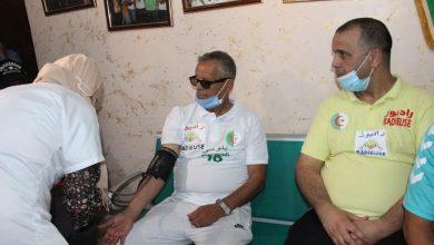 Photo of تحسيس المواطنين بأهميته لمواجهة الوباء…. جمعية راديوز ورفقاء بلومي يبادرون بالتلقيح