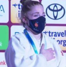 Photo of شيرين عبد اللاوي تهدي الجزائر أول ذهبية في الألعاب البرالمبية