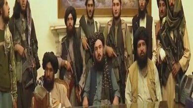 Photo of طالبان تستولي على القصر الرئاسي والرئيس يفرّ بسيارات مليئة بالأموال