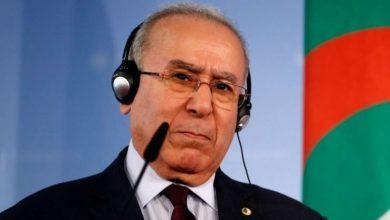 Photo of لعمامرة يشدّد خطابه مع رئيس مفوضية الاتحاد الإفريقي