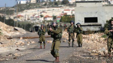 Photo of مستوطن يصيب شابا فلسطينيا بالرصاص
