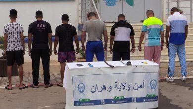 Photo of الأمن يضع حدا لإجرام عصابة أحياء بوهران ويحجز أسلحتها