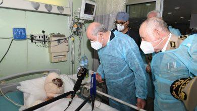 Photo of عبد المجيد تبون يزور جرحى الحرائق في مستشفيي الدويرة وعين النعجة بالعاصمة