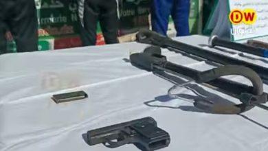 Photo of مسدس وأسلحة خطيرة تحجزها الفرقة الإقليمية للدرك الوطني بقديل